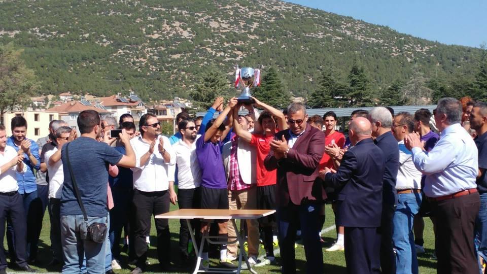 oguzhanspor şampiyonluk kupası